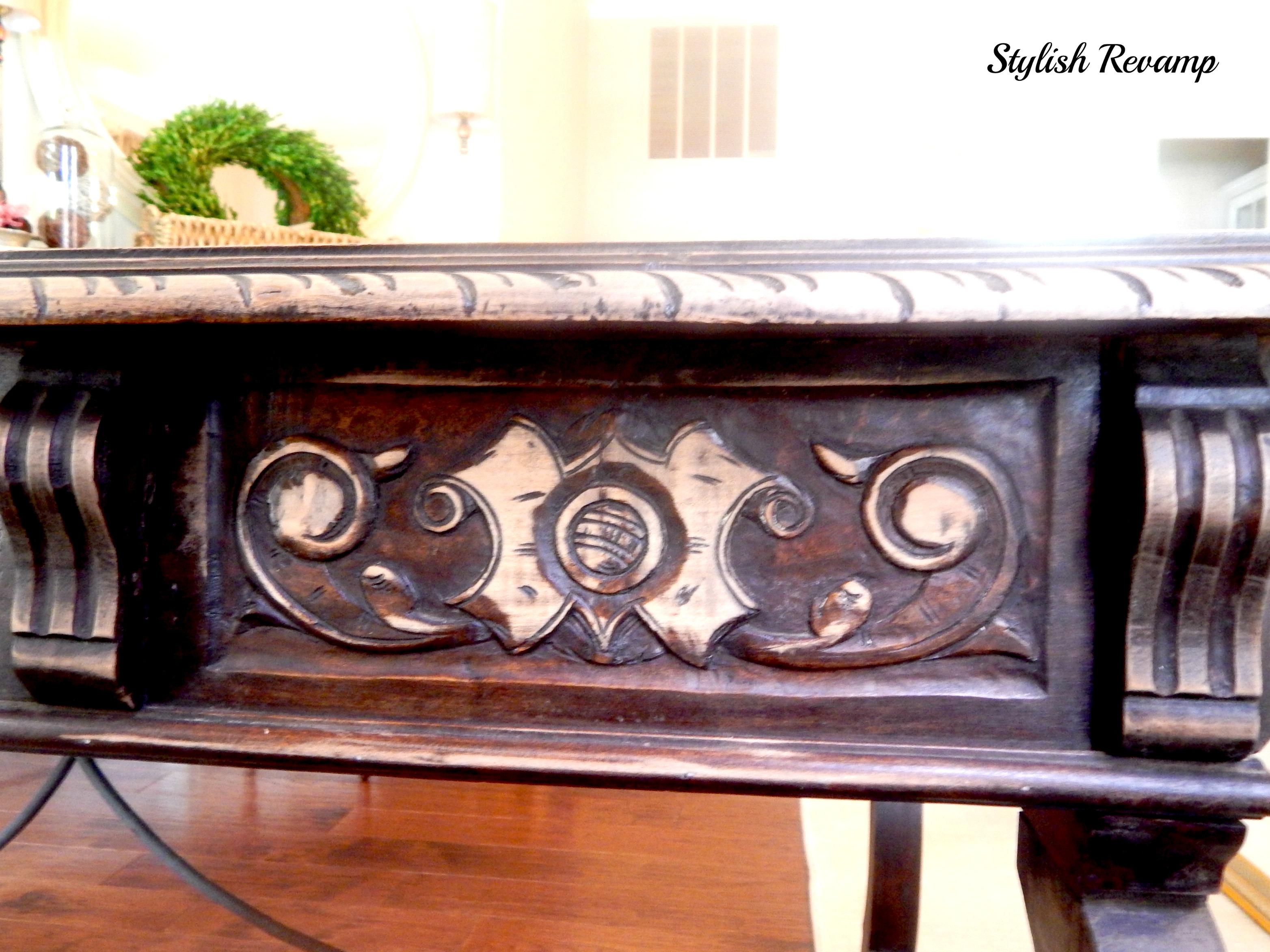 Detail carvings on Desk