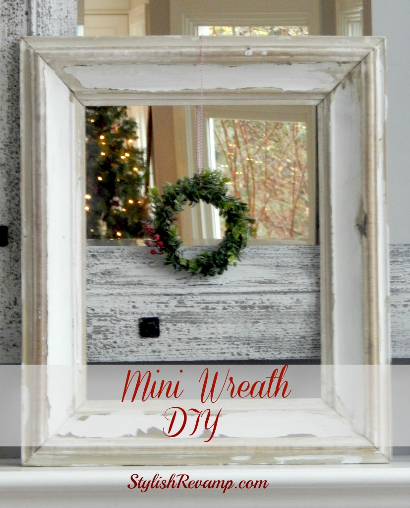DIY Mini Wreath in Vintage Frame