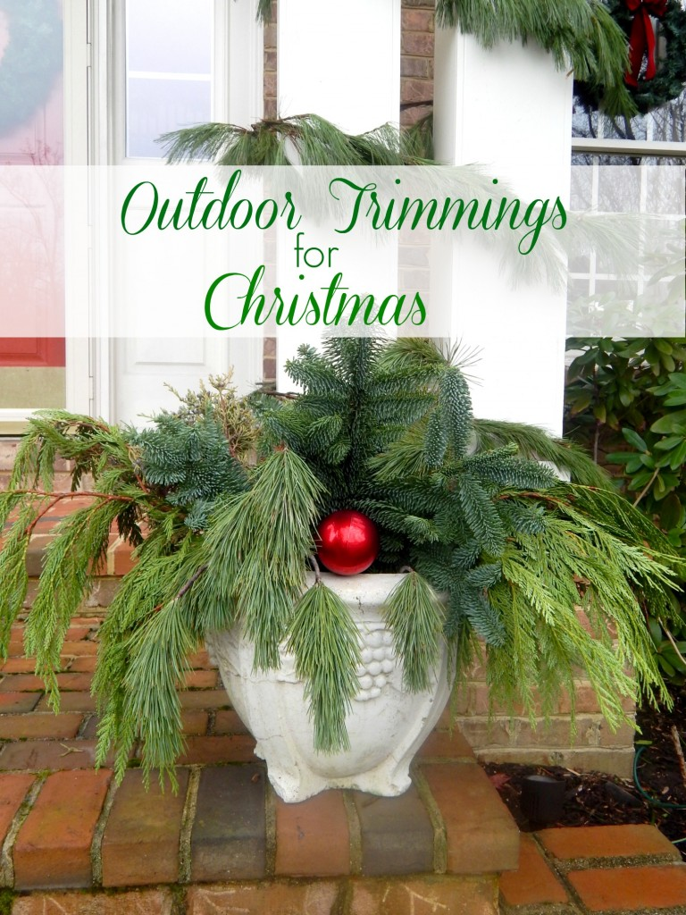 Outdoor Trimmings for Christmas