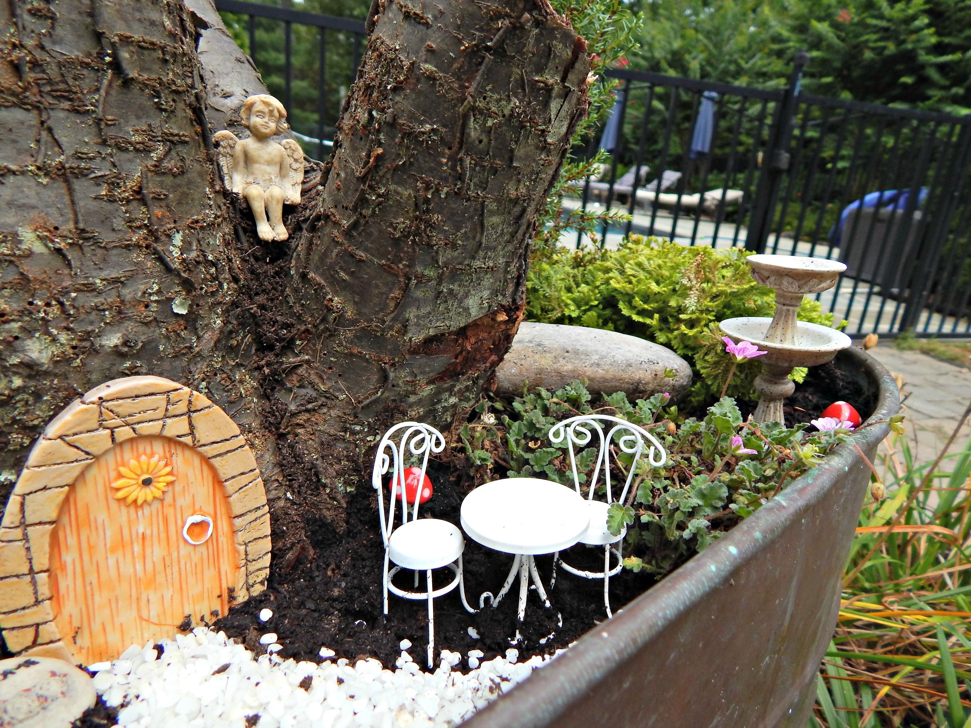 Fairy Garden table and chair set. Easy DIY Fairy Garden   Stylish Revamp