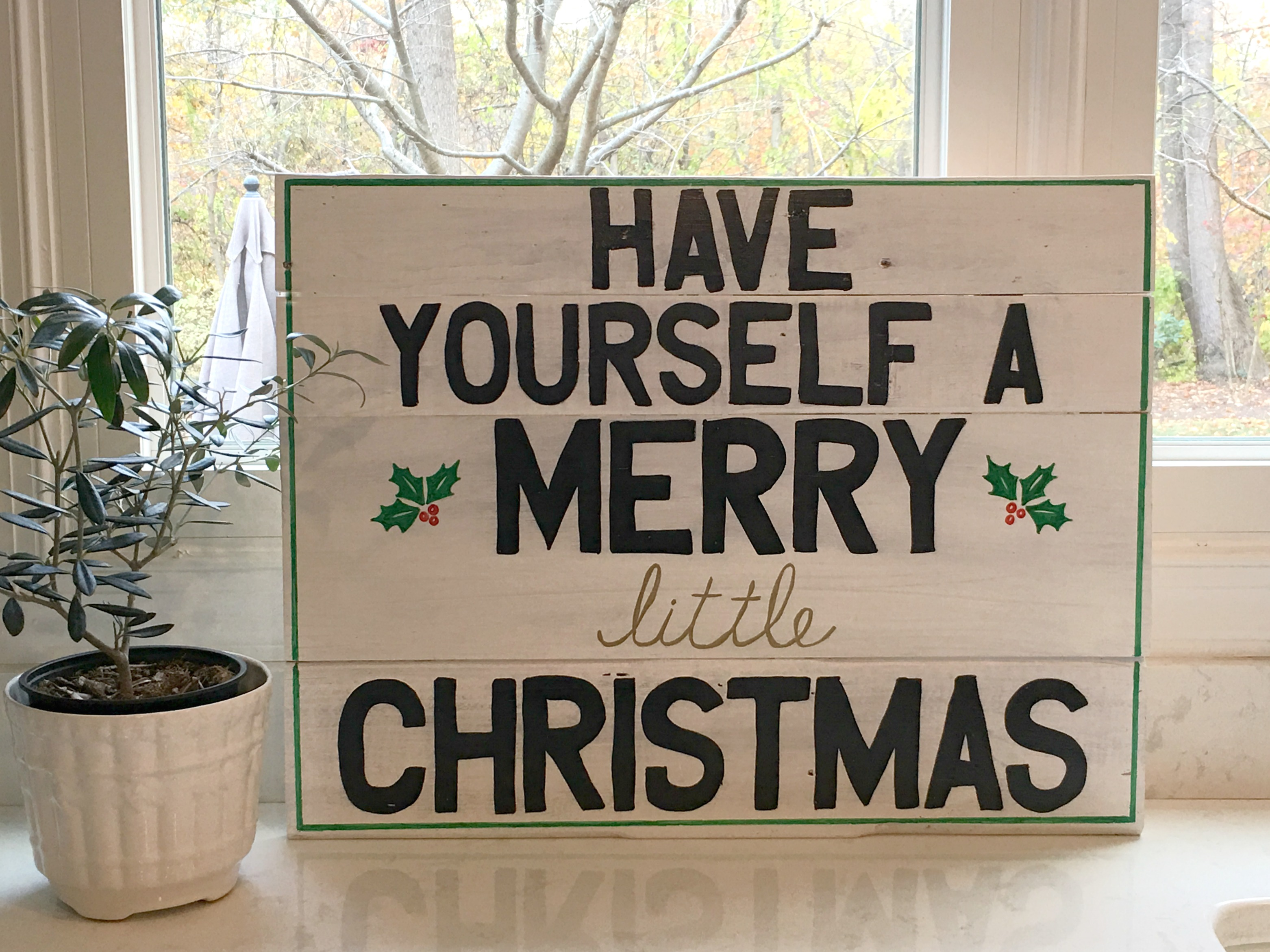 Paint Pens and Pallets - A DIY Christmas Sign - Stylish Revamp