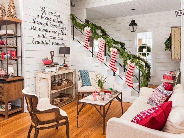 Chip-and-Joanna-Gaines-HGTV-Fixer-Upper-Christmas-farmhouse-9