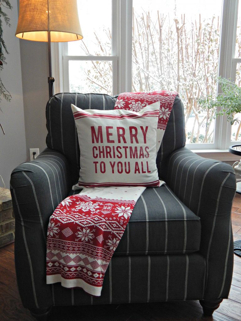 Decorating with Christmas Throws and Pillows
